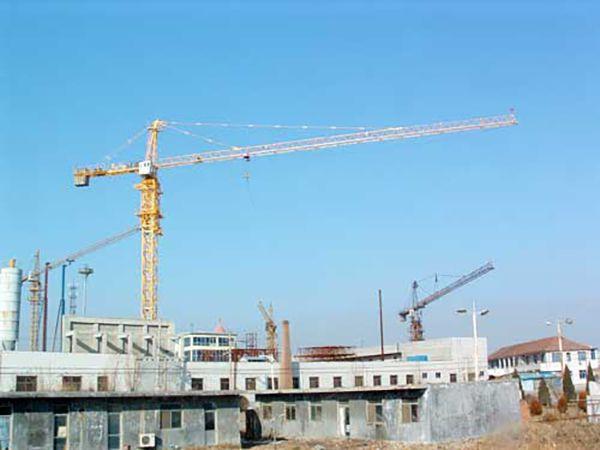 Cần trục tháp công dụng và cấu tạo
